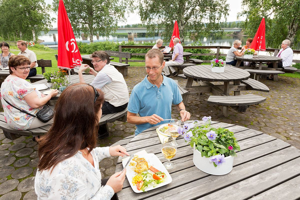 Calle Bredberg, Slöjdarnas Café (copy)