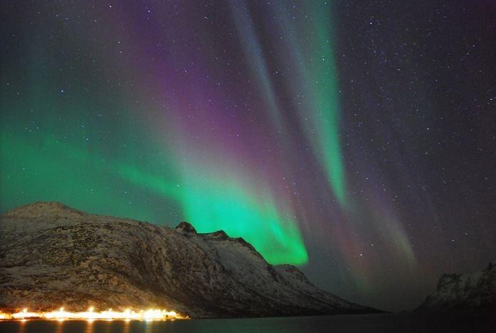 Nordlys over Ersfjorden – Ersfjordbotn Kystferie