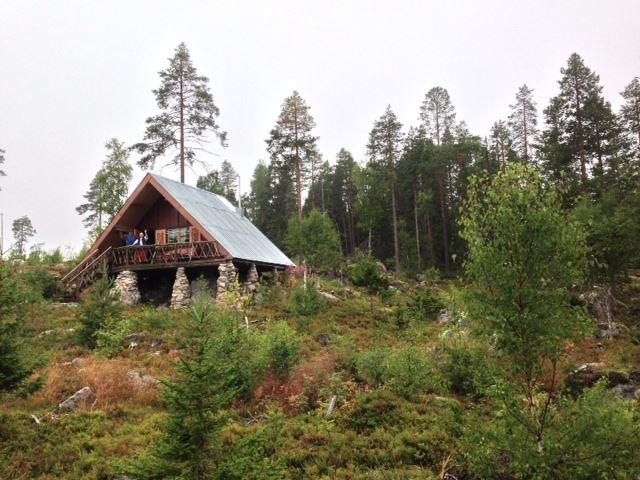 Berit Österlund, Österlundstorpet trevliga Eremithydda i skogen vid den lilla tjärnen