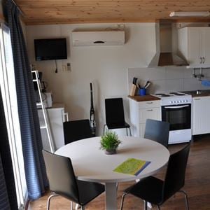 Bungalowstuga (3-5 bäddar, 26 m², WC/dusch)