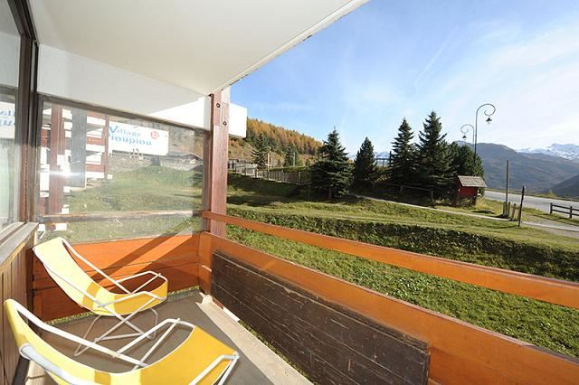 2 Rooms 5 Pers ski-in ski-out / ALPAGES 104
