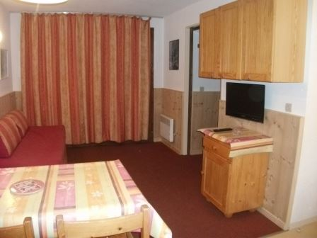 2 Rooms 4 Pers ski-in ski-out / OREE DES PISTES 15