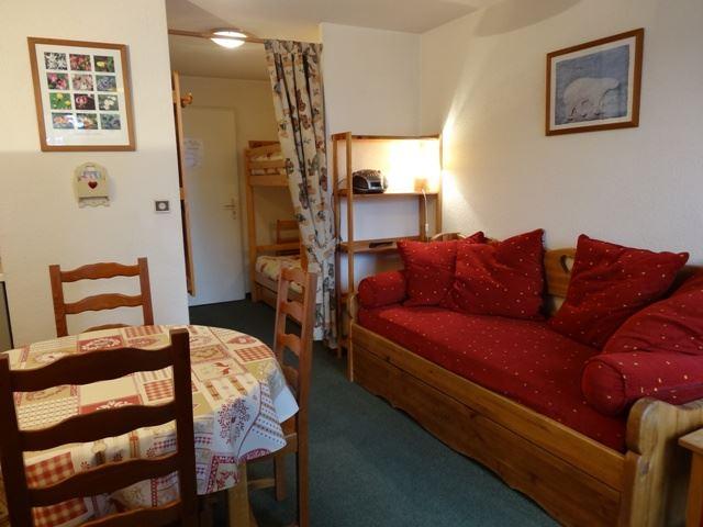 2 Rooms 4 Pers ski-in ski-out / SKI SOLEIL 1308