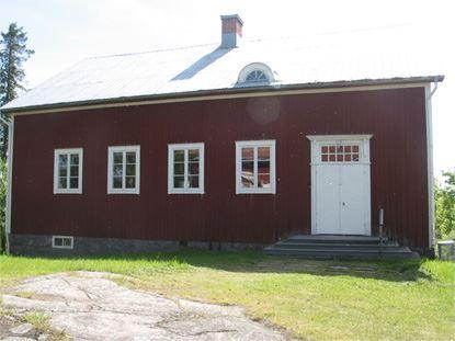 © Kålaboda Lantbruksmuseum, Skolbyggnaden som uppfördes 1931, här finns många av museets föremål