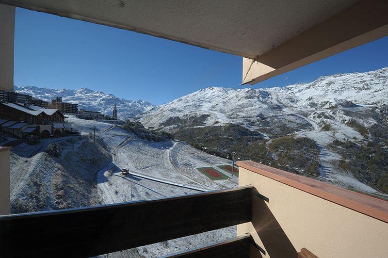 Studio 3 Pers skis aux pieds / CARON 1315