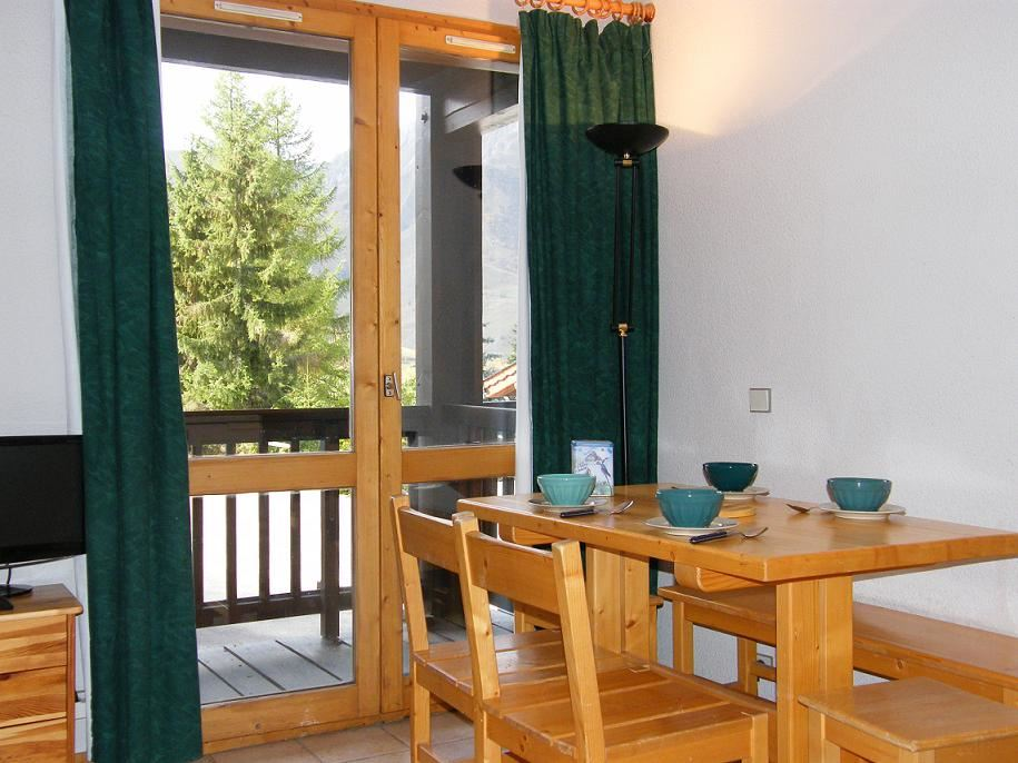 2 Rooms 4 Pers ski-in ski-out / HORS PISTE 32