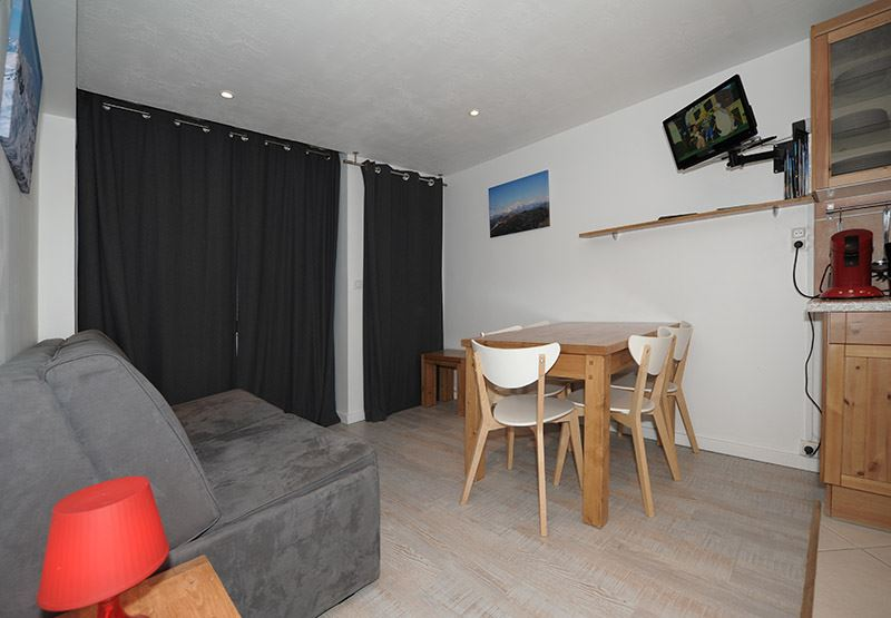 2 Rooms 5 Pers ski-in ski-out / LES LAUZES 2 (A3)