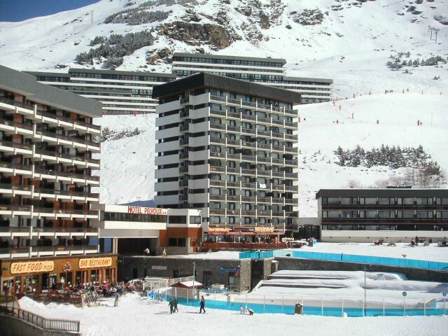 3 Rooms 8 Pers ski-in ski-out / PELVOUX 86