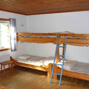 Stuga (5+1 bäddar, 32 m², WC/dusch, Nr 03)