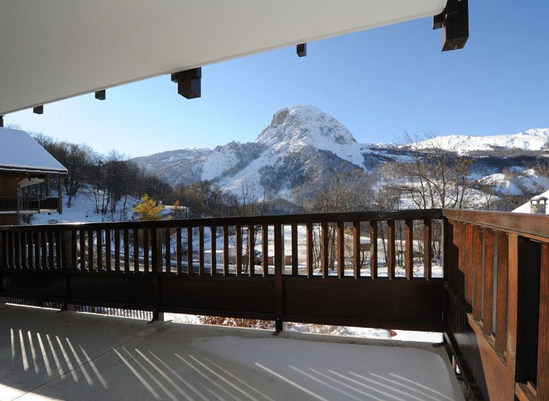 3 Rooms 4 Pers ski-in ski-out / LE COCHET 1