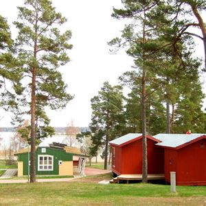 Gröna Udden - asuntoauto ja -vaunupaikat sis. sähköä