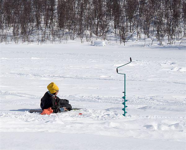 Skoter och vinterfiske i Hemavan