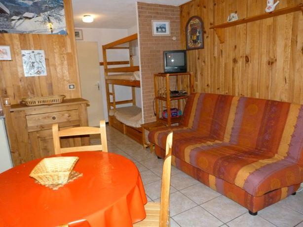 2 Rooms 4 Pers ski-in ski-out / SKI SOLEIL 1008