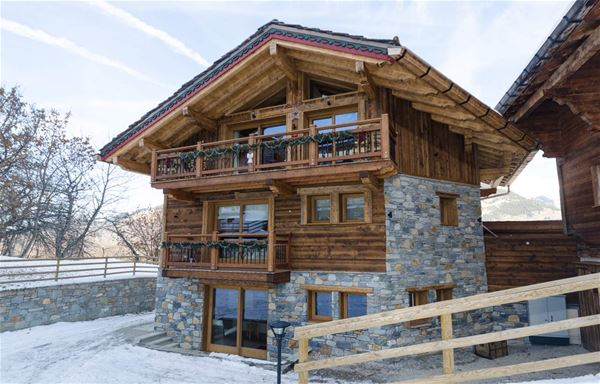 5 rooms 8 adults and 2 children / CHALET EMILIE (mountain of Exception)