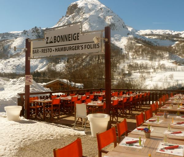 Hôtel skis aux pieds / HOTEL ALP'HOTEL (2,5 Flocons