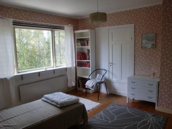 Villa Karelen, Intrånget