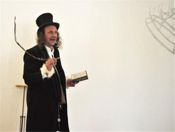 L'imaginarium ambulant de Frédéric Philémon - Musée universel portatif, tous les vendredis du 03 juillet au 28 août 2015 à 18h30