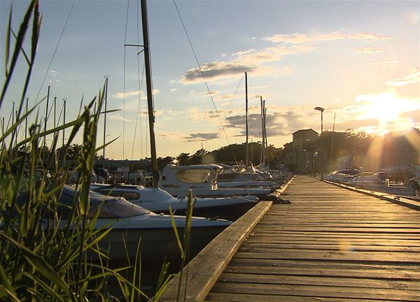 Guest harbor jetty with boats