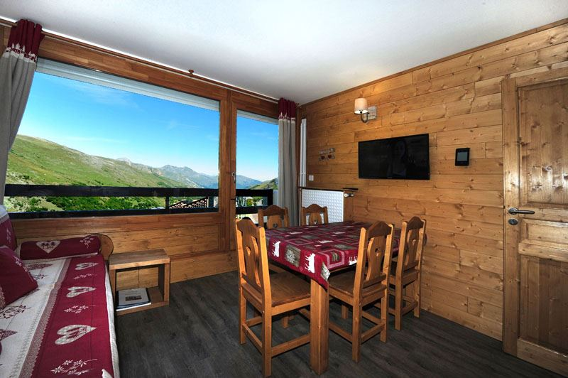 2 Rooms + cabin 5 Pers ski-in ski-out / LAC DU LOU 538