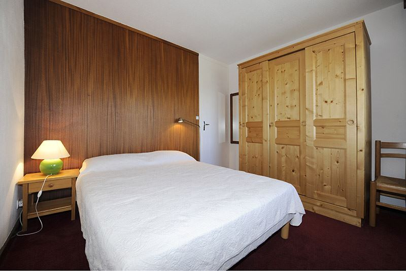 3 Rooms 8 Pers ski-in ski-out / OISANS 57