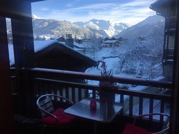 3 pièces 6 personnes skis aux pieds / LES CHALETS DE LA JEAN BLANC L'HIVER VIENT (Montagne de Charme) / Séjour Sérénité