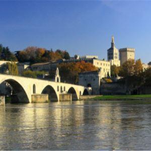 Avignon and Luberon villages, Isle sur la Sorgues, Gordes and Roussillon