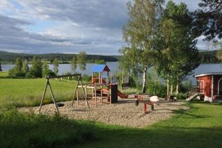 Lekplats vid Konvaljparken i Lo.