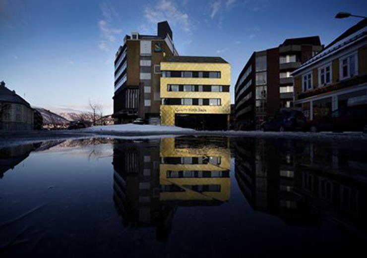 © Quality Hotel Saga, Quality Hotel Saga is located in the city center, next door to Tromsø Cathedral and opposite the Hurtigruten quay.