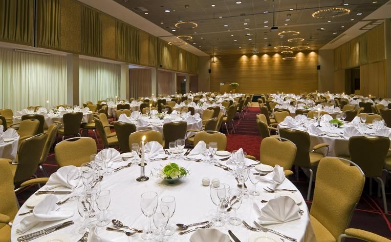 © Radisson Hotel Blu, Radisson Hotel Blu can offer customized menus for meetings or conferences.