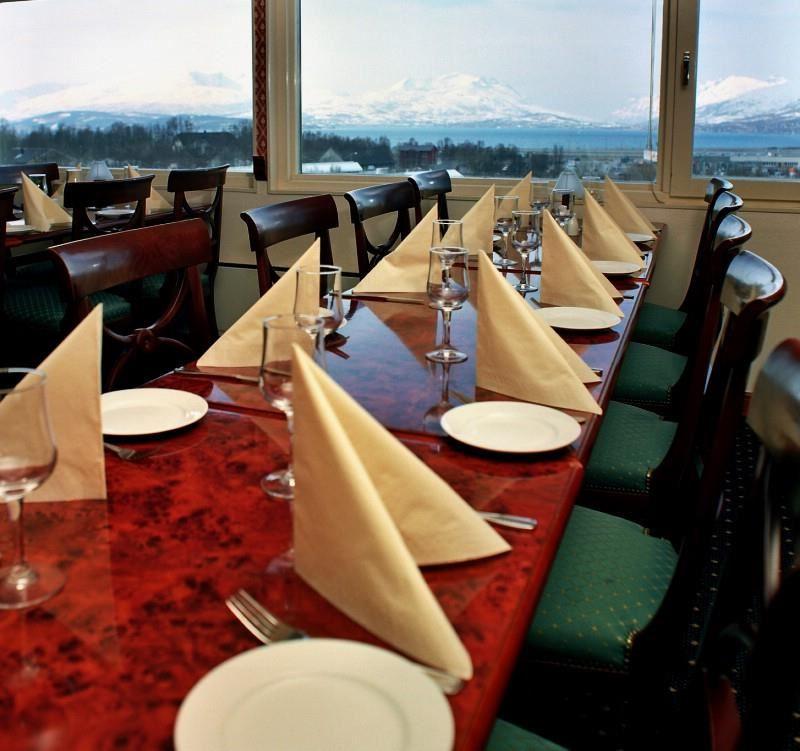 © Scandic, Scandic Hotel Tromsøs restaurant med utsikt