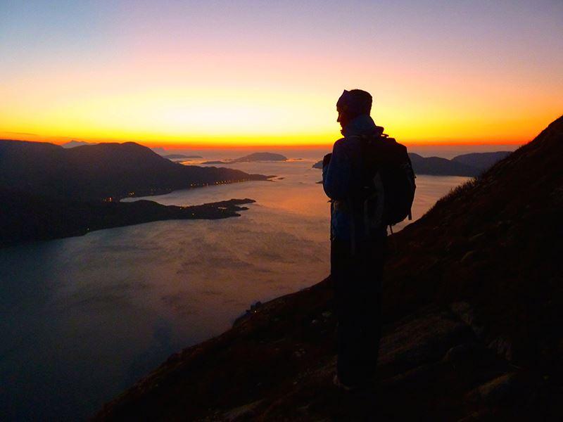Midnight Sun Mountain Hike – Tromsø Villmarkssenter