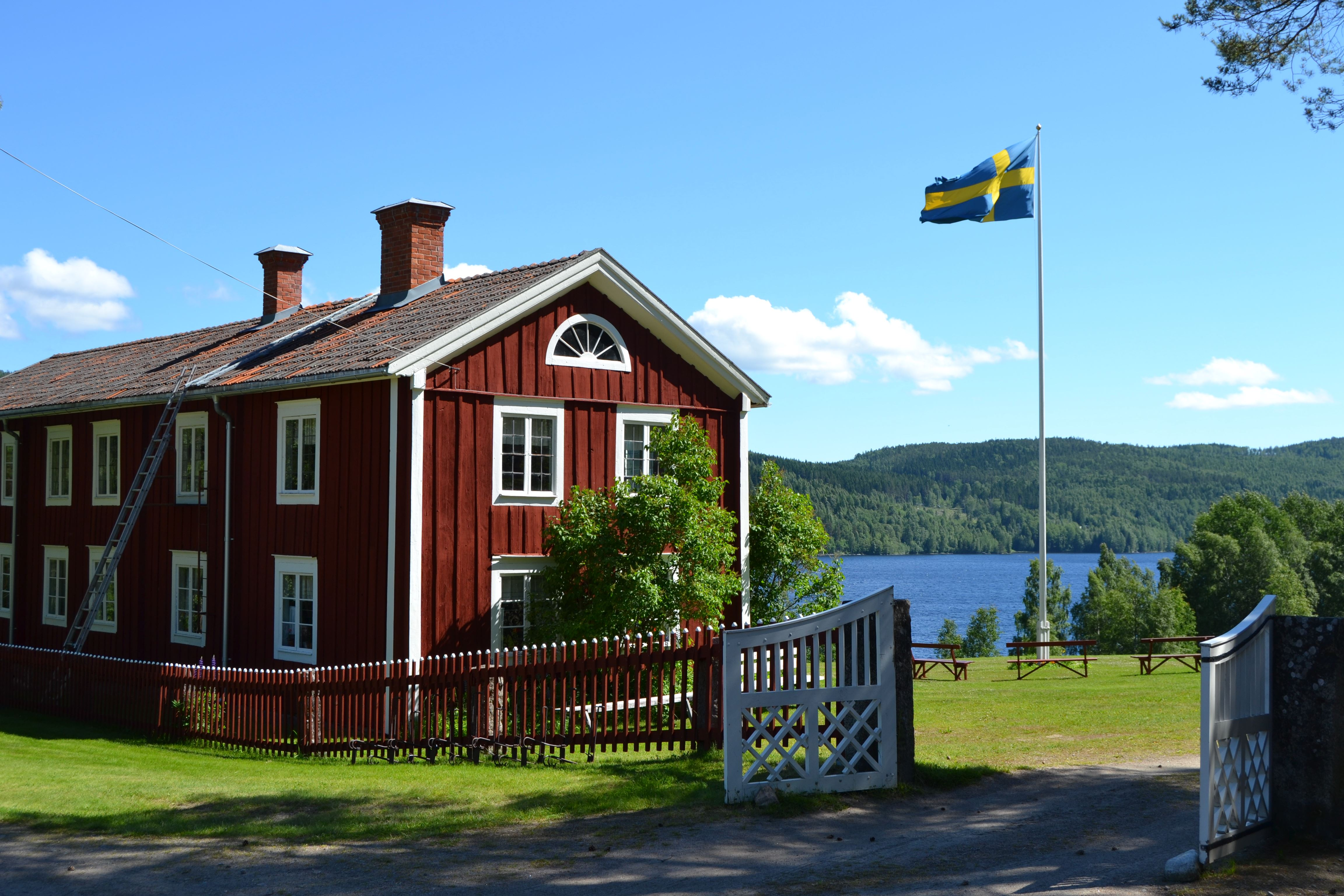 Malin Löthmyr, Red house