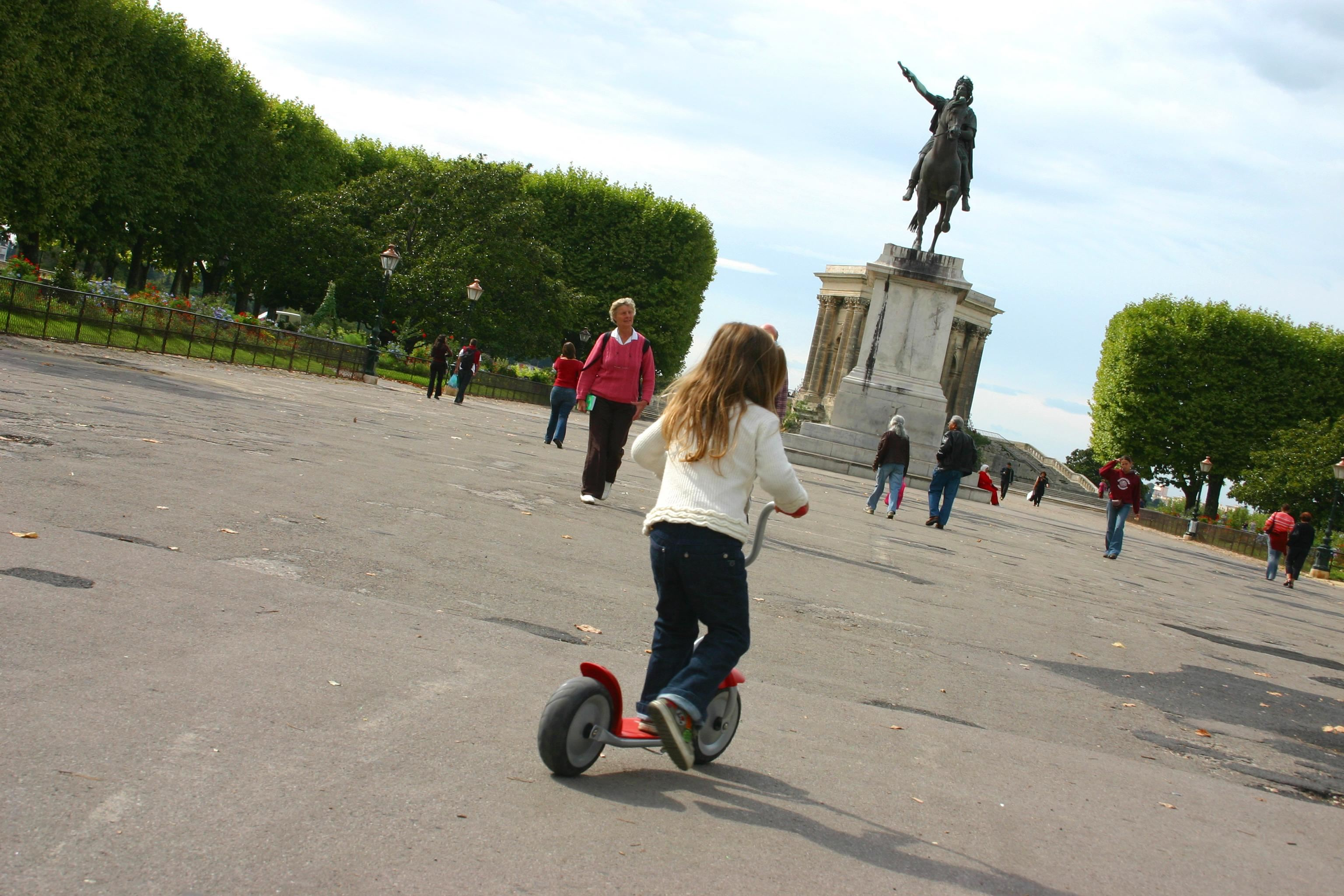 Visit Montpellier - Guided city tour in English: Historical Center