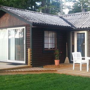 Cottage on the waterside on lake Ivösjön