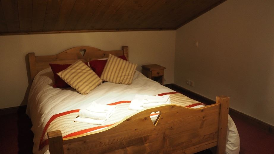 4 Rooms 8 Pers ski-in ski-out / LES CRISTAUX 7