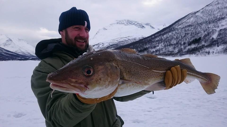 Ice Fishing – Enjoy the Arctic