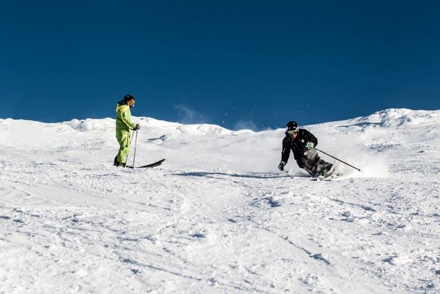 Touch your future - exklusiv skidåkning med Skiers Accredited