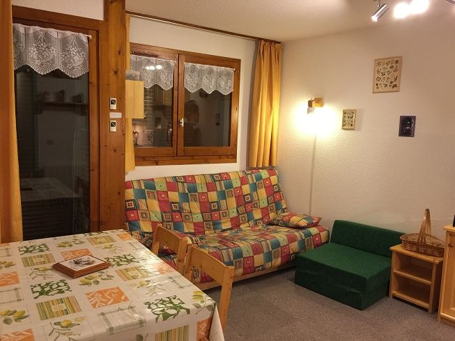 2 Room + cabin 5 pers ski-in ski-out / CARLINES II 38 B