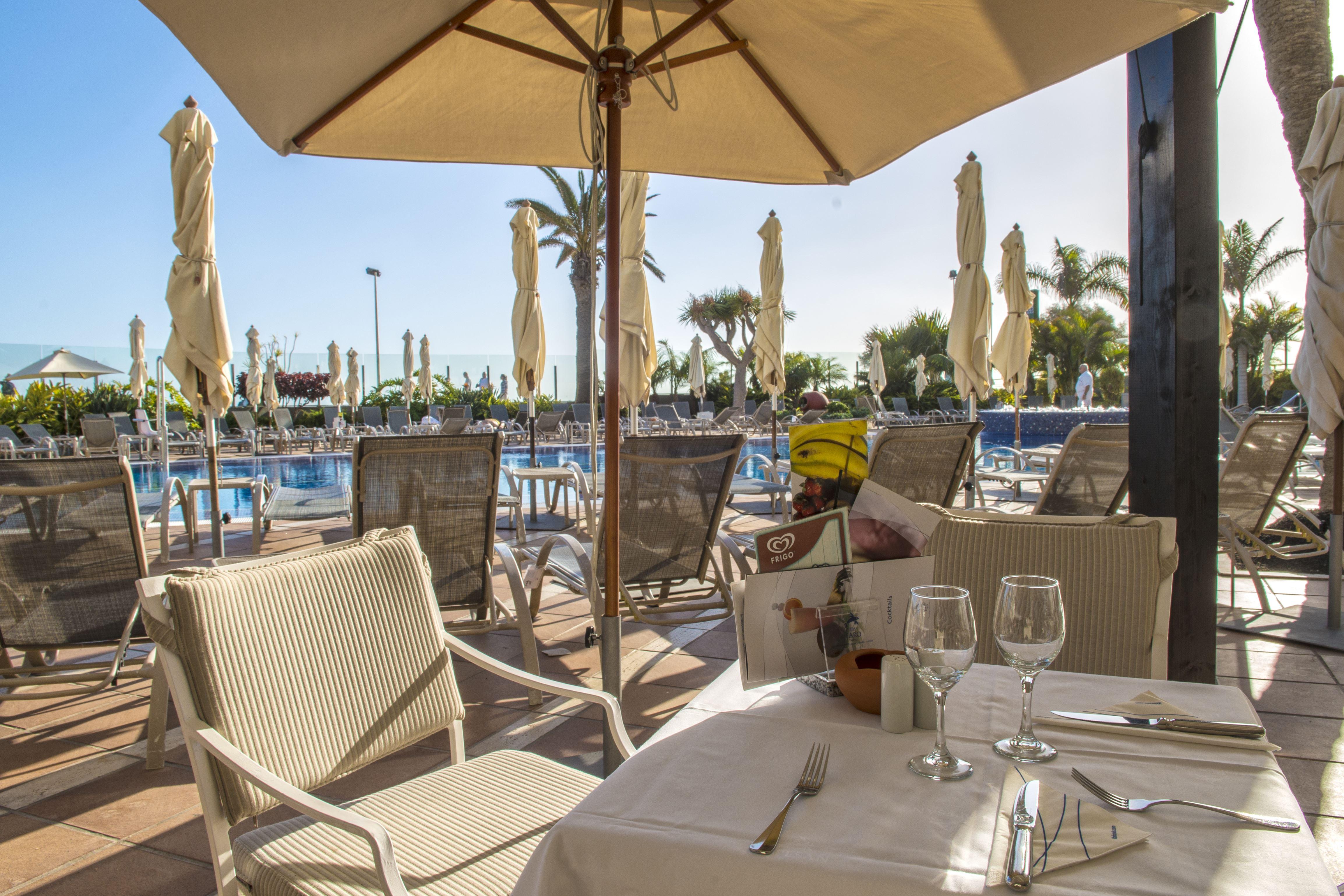 Poolbar på IFA Faro Hotell, Maspalomas Gran Canaria, Signaturresor