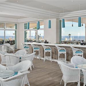 Bar på Hotell Sol Beach House, Santo Tomas Menorca