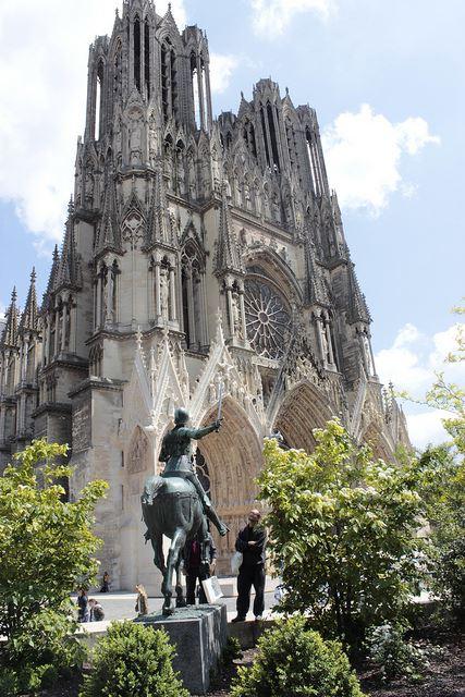 Excursion journée Reims & vignoble