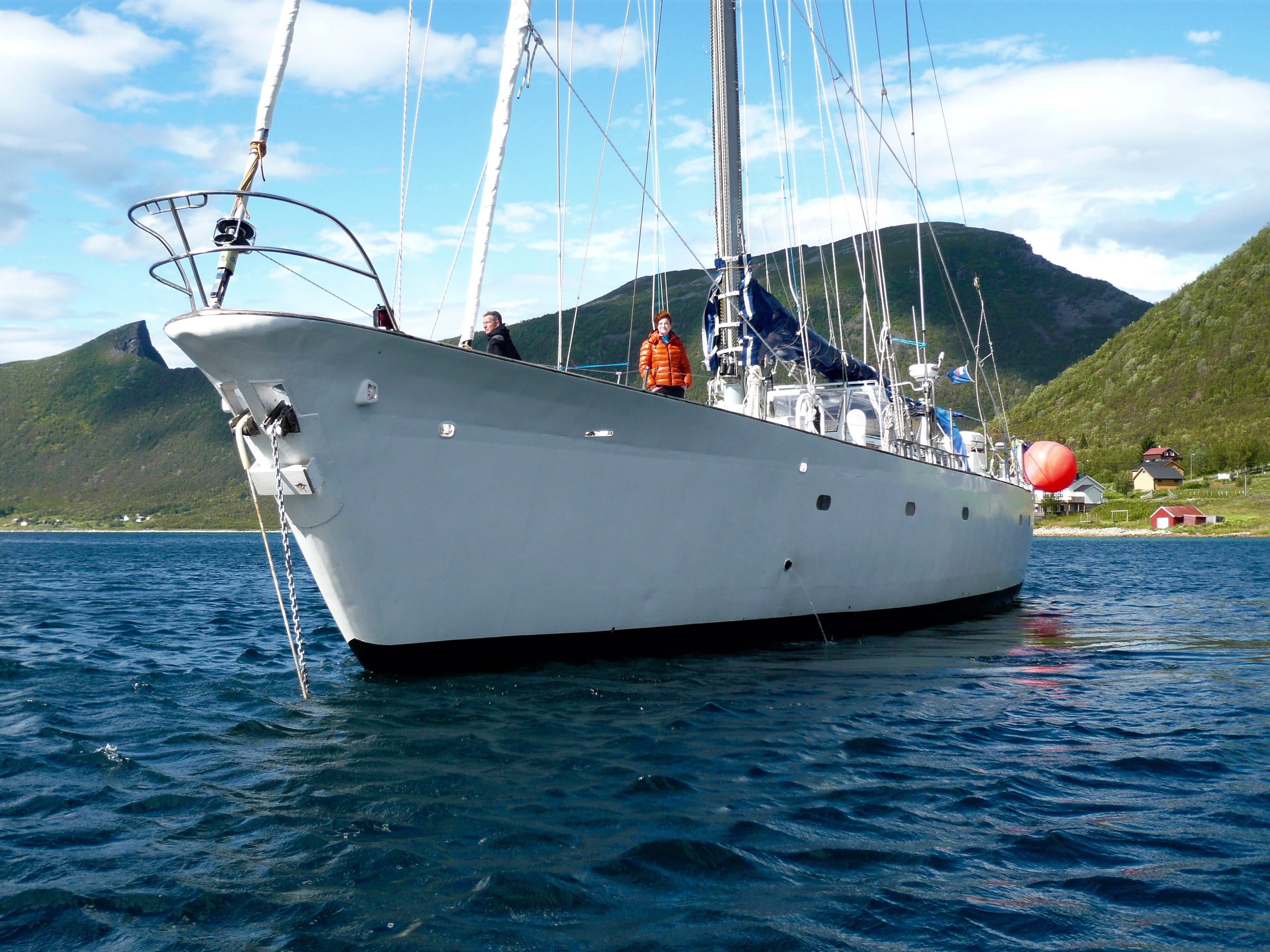 Hiking and Sailing trip off the beaten path - 6 days – 69 Nord Sommarøy Outdoor Center