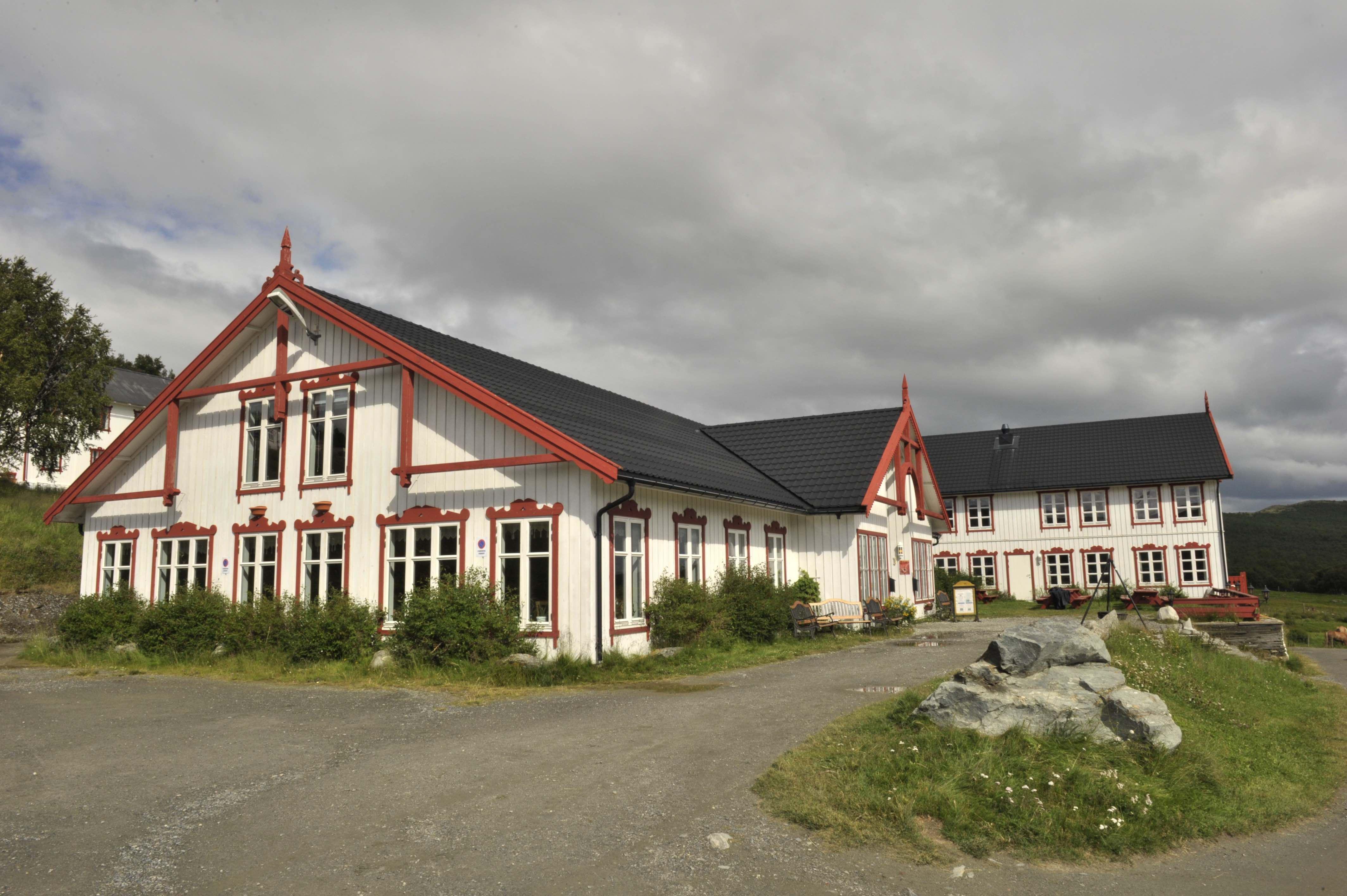 Hjerkinn Fjellstue & Fjellridning
