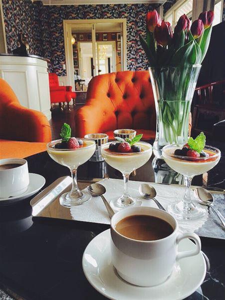 Desserter och kaffe