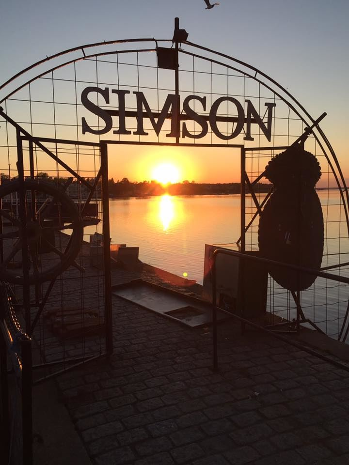 Simson Restaurant & Bar