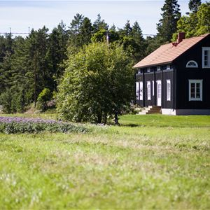 Björnhofvda Gård