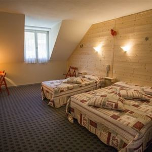 © /morgane beaugé, HPH25 - Confortable hôtel style Belle Epoque