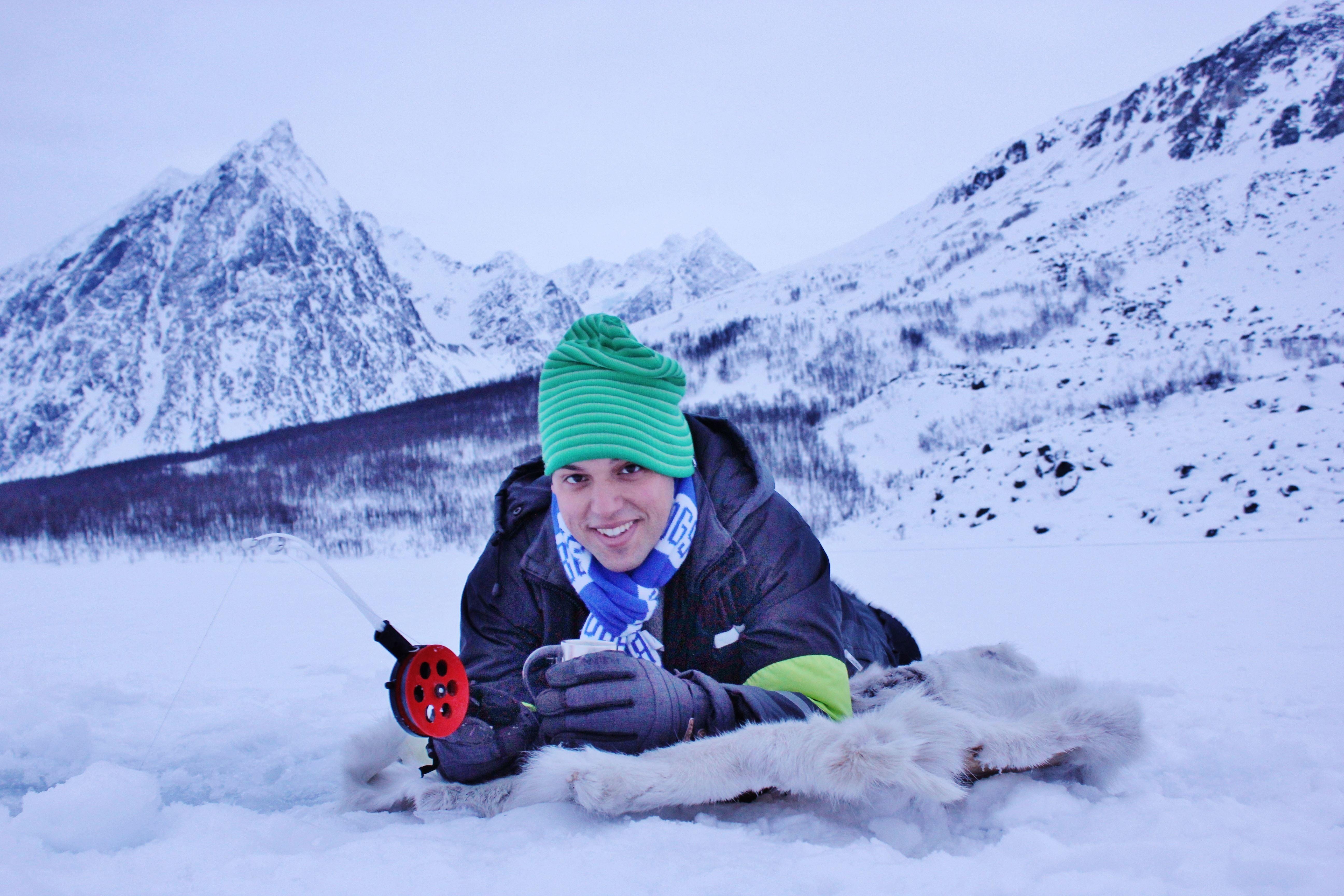 Isfiske på kanten av Tromsø - Aurora Alps