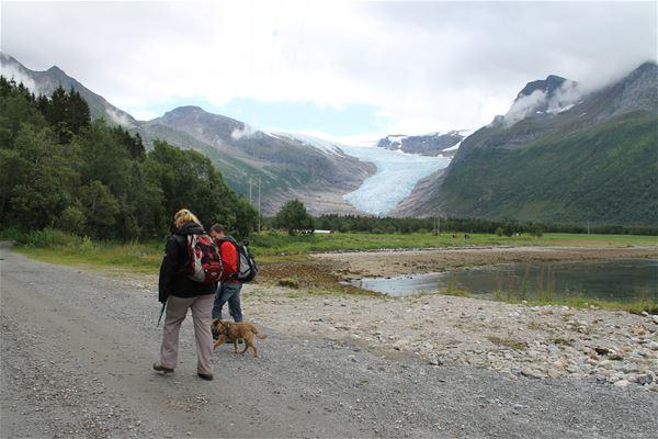 Cabins by the Svartisen glacier