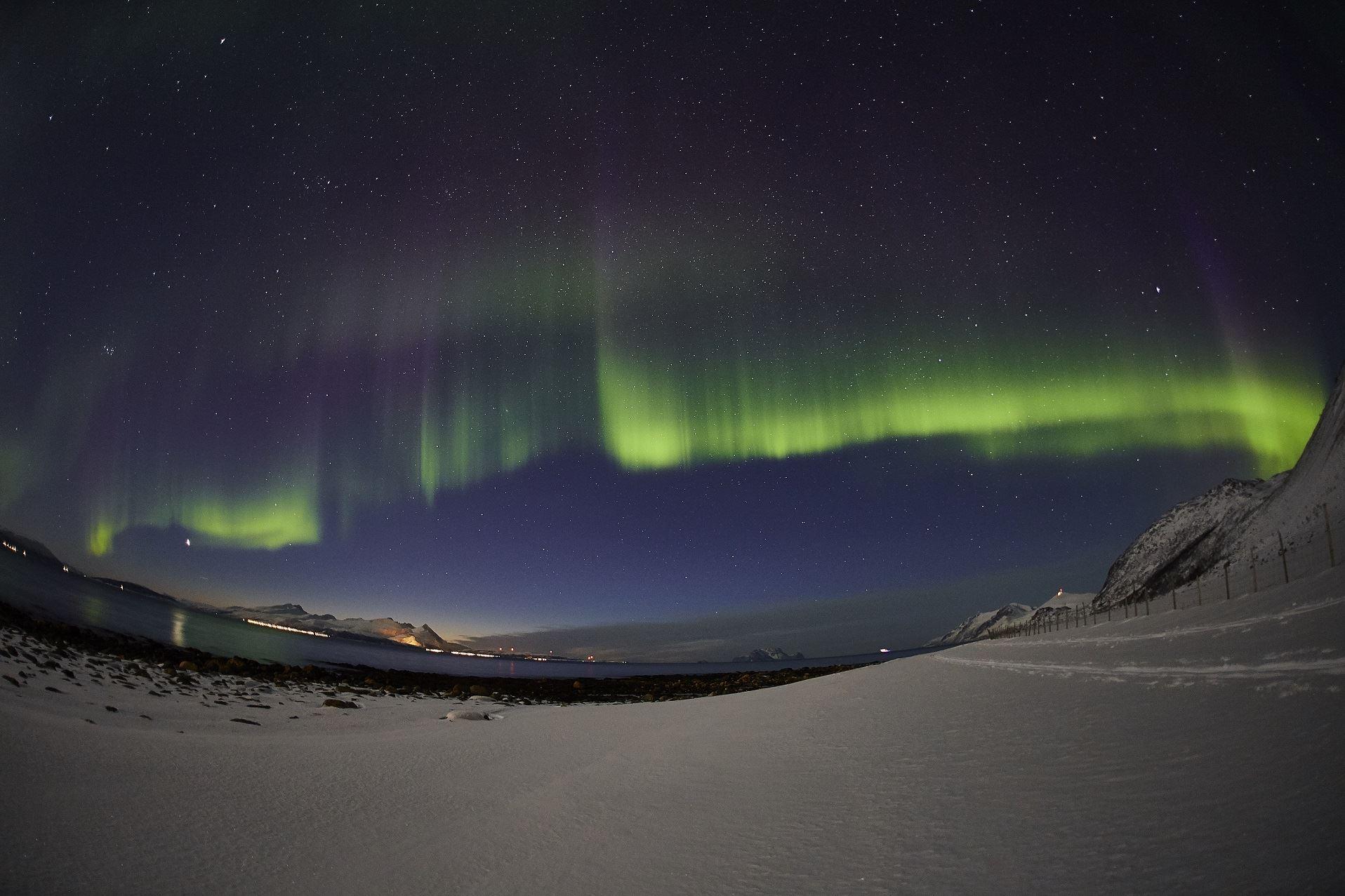 Snowshoeing on the Edge of Tromsø – Evening – Aurora Alps